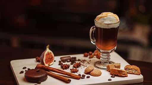 café amaretto receta, café amaretto receta barista, café con amaretto